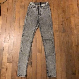 H&M Divided washes gray high rise skinny jeans